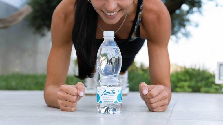 Quale acqua devono bere gli sportivi per reidratarsi?